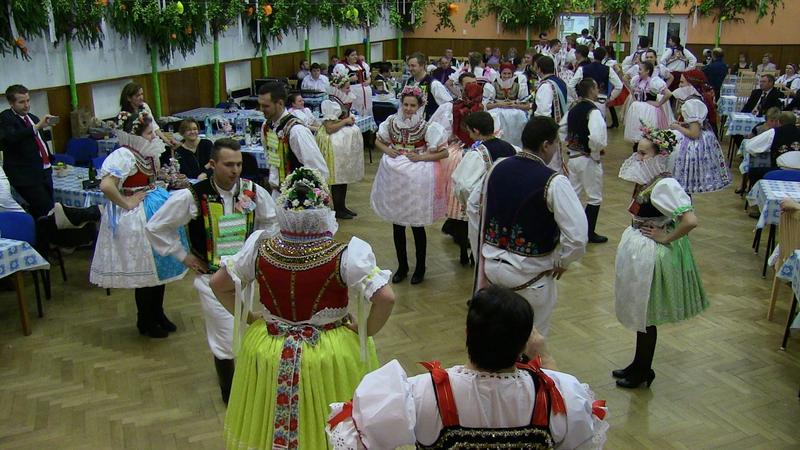 27.krojovaný ples