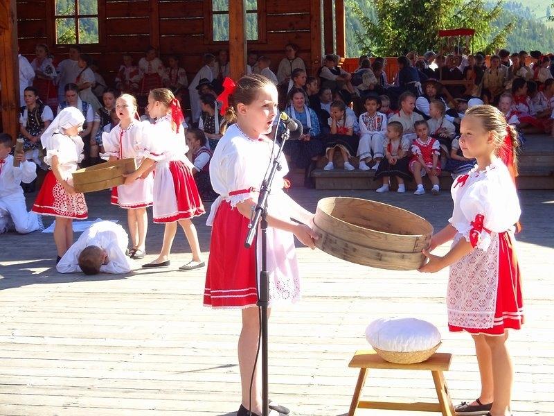 Násedlováček na festivalu v Heľpě