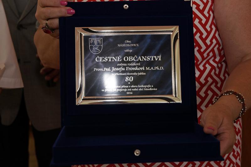 Násedlováček při udělení Čestného občanství panu Josefu Fronkovi