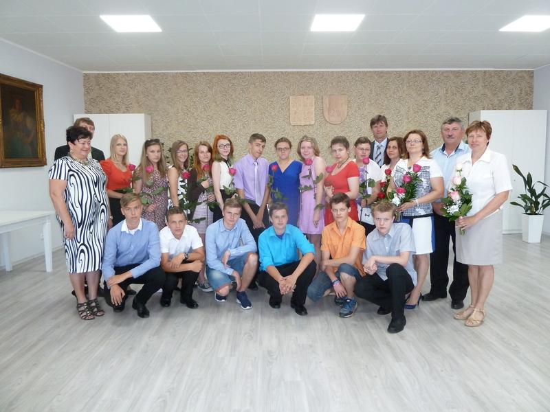 Rozloučení s absolventy v ZŠ Žarošice