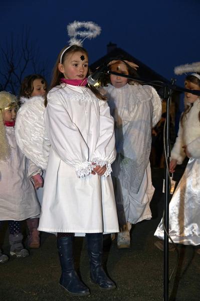 Zpívání u vánočního stromu a živý betlém 2016