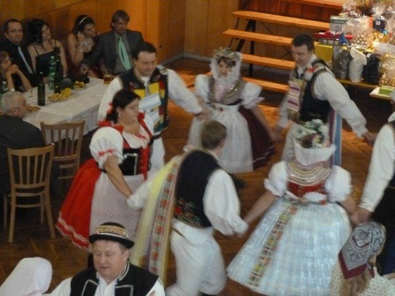 Farní ples
