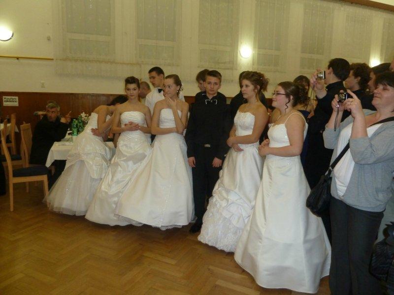 Ostatky a ples školy