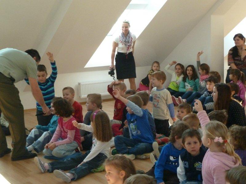 Koncert Vojenské hudby Olomouc pro MŠ