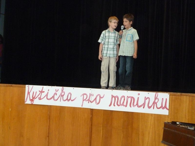 Kytička pro maminku 2012