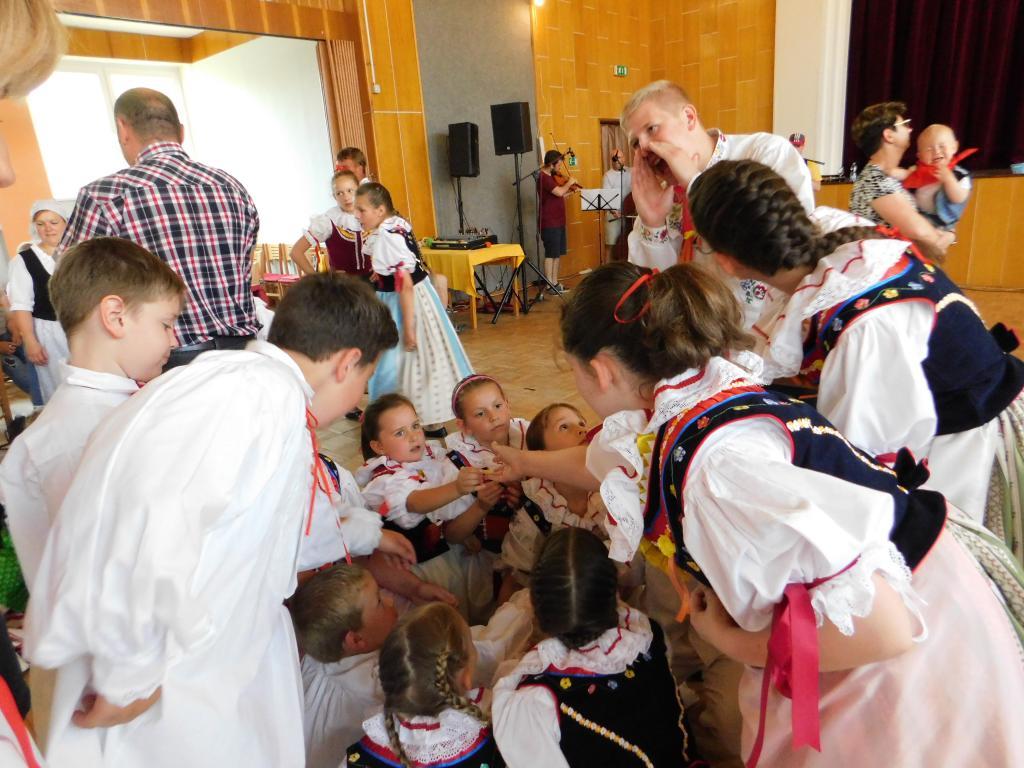 Děti se zapojily do soutěží.