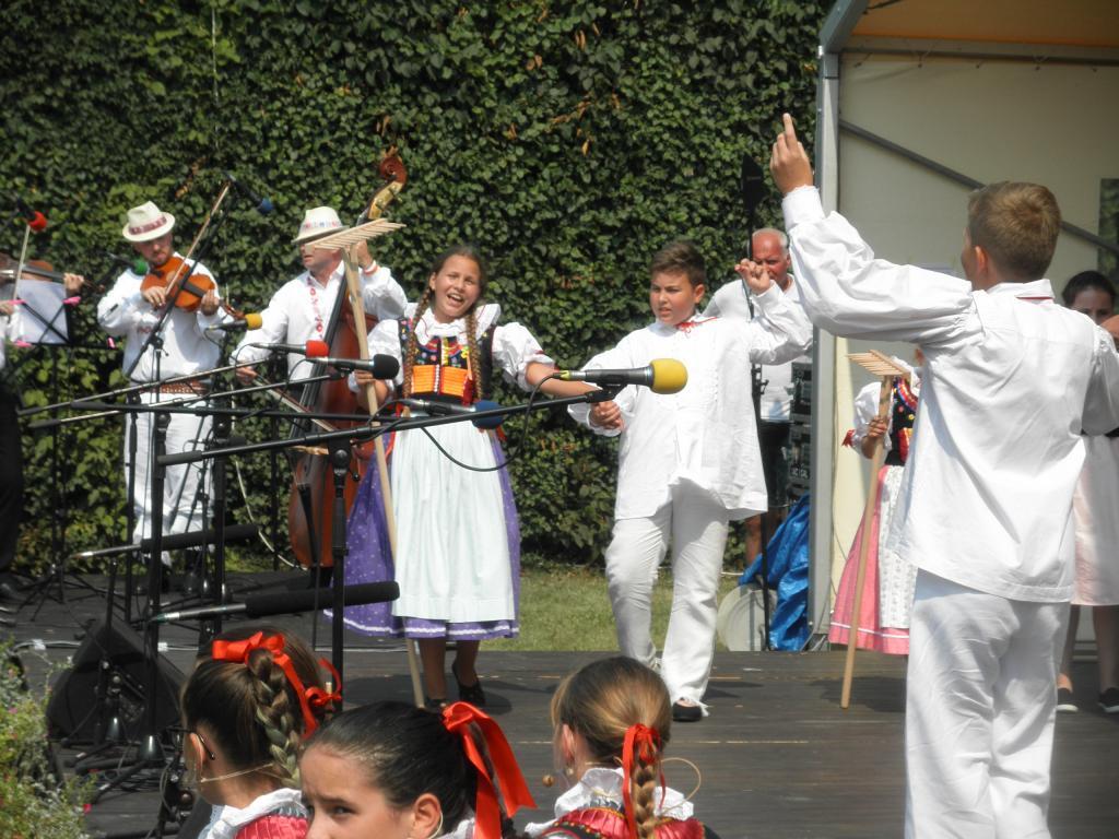 33. ročník Národopisného festivalu kyjovského Dolňácka a Ždánicka v Miloticích