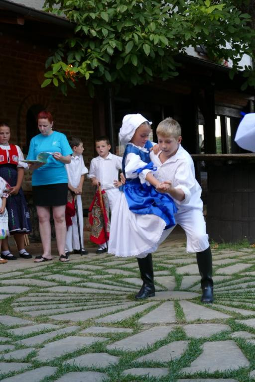 Vystoupení Násedlováčku pro AXU - Úvaly u Valtic