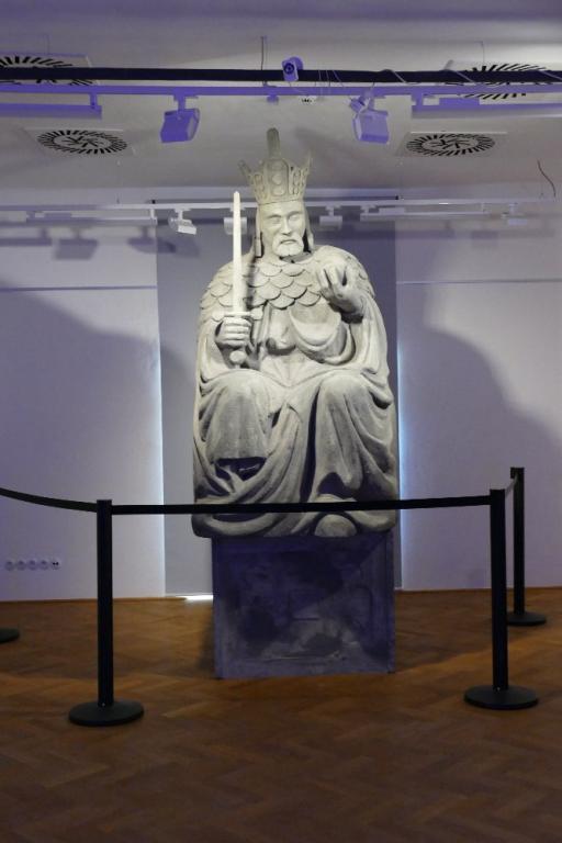 Výlet Násedlováčku - Výstava korunovačních klenotů v Lednici