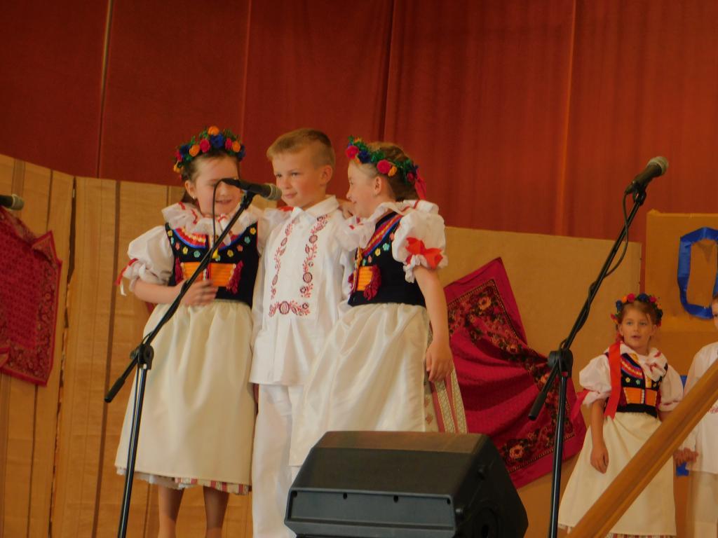 Šohajíček na přehlídce dětských folklorních souborů v Dambořicích