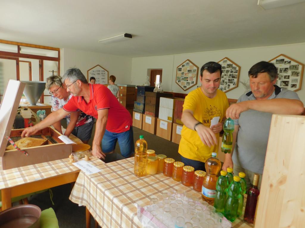 Medové odpoledne