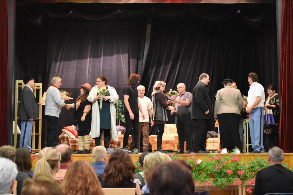 Beseda pro důchodce a divadelní představení PAST