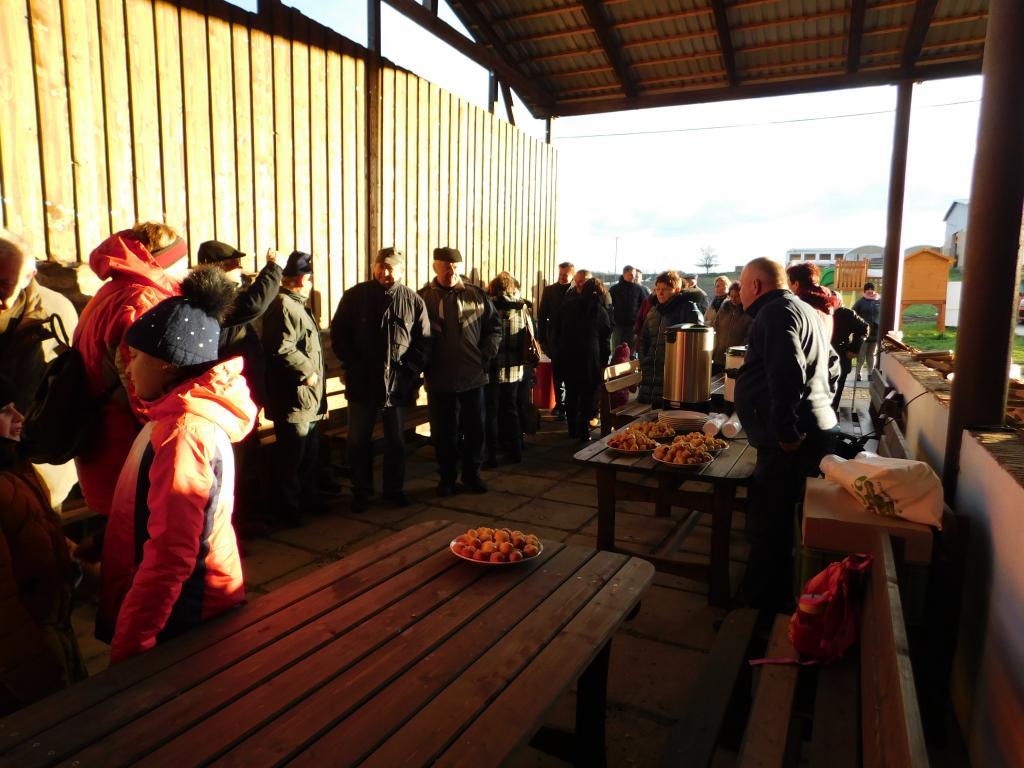 Přátelské setkání na Statku Karlov