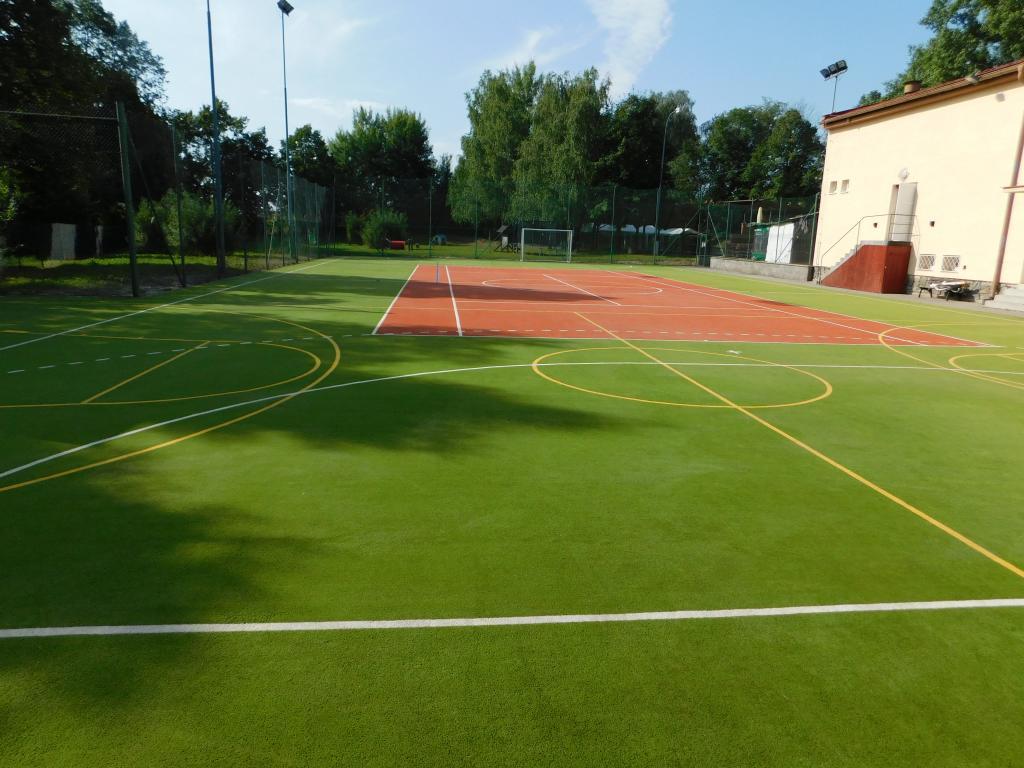 Regenerace povrchu víceučelového sportoviště
